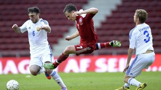 William Kvist in action against Armenia.